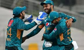 Pakistan comprehensively beat New Zealand by 6 wickets in second ODI